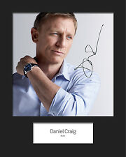 DANIEL CRAIG #2 Signed 10x8 Mounted Photo Print (REPRINT) - FREE DELIVERY