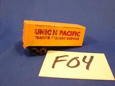 F04 VINTAGE HO SCALE PIGGY BACK UNION PACIFIC TRAILER FREIGHT SERVICE 18 WHEELER