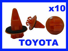 10 TOYOTA land cruiser Wheel arch sill mud guard clips  plastic fastener 71D