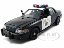 2010 FORD CROWN VIC CHP CALIFORNIA HIGHWAY PATROL 1:24 BLACK/WHIT MOTORMAX 76459