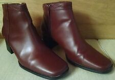 Expressions Woman's Zippered Maroon Burgundy Brick Red Boots Shoes Heels  7.5