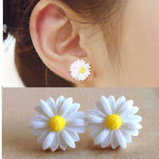 Lovely Daisy Flower Stud Earrings Cute Ear Women Fashion Studs Vintage Style Hot