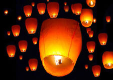 Lot 100 White Paper Chinese Lanterns Sky Fire Fly Candle Lamp Wish Party Wedding