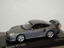 Porsche 911 996 GT2 2001 van Minichamps 1:43 in Box *24736