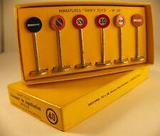 Dinky Toys  F n° 40 coffret panneaux signalisation routiére en boite