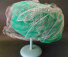 VINTAGE WOMENS GREEN FELT AND SATIN PILLBOX HAT MADE BY FISHER IRELAND C1940'S