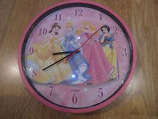 horloge Disney rose, avec les 4 princesses, comme neuve !