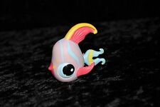 Littlest Pet Shop LPS #884 Pink And Blue Angelfish With Blue Eyes