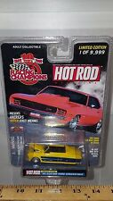 1/64 RACING CHAMPIONS HOT ROD 1950 FORD CUSTOM CONVERTIBLE YELLOW B74