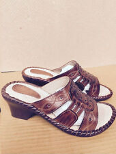 NEW LADIES TAN BROWN STUDDED SLIP ON WEDGE STYLE MULES. SIZE 4/EURO 37