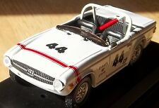 TRIUMPH TR6 1969 BOB TULLIUS RACING 1:43 MODEL TRIUMPH NEW OLD STOCK CASE TR-6