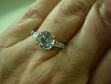 LOVELY 14K WHITE GOLD SOLITAIRE ENGAGEMENT STYLE CUBIC ZIRCONIA CZ RING ~ NICE!