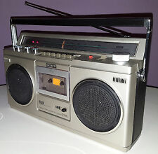 SONY CFS-45 VINTAGE BOOMBOX PORTABLE CASSETTE RADIO AM FM 1981 OLD-SCHOOL