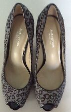 LADIES AUTOGRAPH SHOES, LEATHER , ANIMAL PRINT, SIZE 3.5, INSOLIA, WIDER FIT