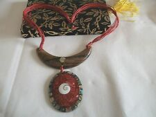 """PRETTY NEW RED CORDED ABALONE  SHIVA SHELL   WOODEN OVAL PENDANT 19"""" NECKLACE (2"""