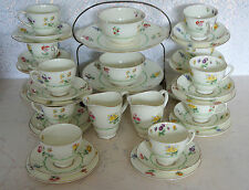 UK 42  Pieces rayal doulton floral tea set and a cake stand ( ID 00B).,.,