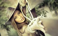 Impression encadrée-Belle Cowgirl sur clôture en bois (photo poster art cowboy)
