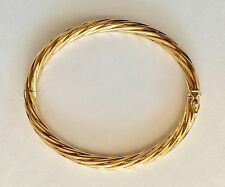 18k Yellow Italian Gold Oval Twist Hinge Bangle 13.1 gr. Excellent Condition
