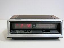 RETRO GENERAL ELECTRIC GE DIGITAL ALARM CLOCK AM / FM RADIO MODEL 7-4650G