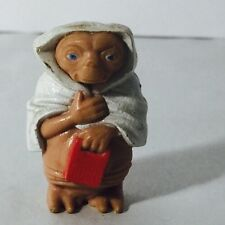 1982 E.T. FIGURE WITH SPEAK & SPELL TERRYCLOTH TOWEL