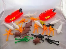 Vintage Old Toy Plastic Soliders Divers & Sea Creatures Boat Bond Thunderball ?