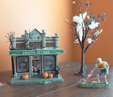 Dept 56 Creepy's Pet Shop Store Dog Cat Tree Halloween Village Time To Celebrate