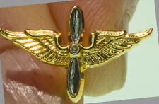 Pilot Propeller & Wings lapel pin - Gold Plated - new - Made in USA