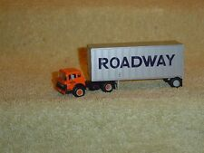 "ATHEARN FORD TRACTOR  & 28' PUP TRAILER "" ROADWAY EXPRESS"""