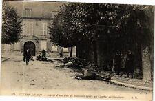 CPA Soissons - Aspect d'une Rue aprés un Combat de Cavalerie (280399)