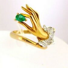 Carrera y Carrera 18kt Yellow Gold Emerald & Diamonds Lady Hands Ring