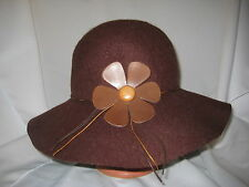 VINTAGE BROWN 100% WOOL LADIES FLOPPY BRIM HAT-LEATHER FLOWER-CHARTER CLUB-ITALY