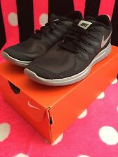 NIKE Women's Free 5.0 Flash Shoes, Black/Gray Size 6