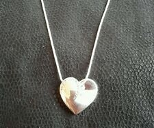 Silver toned heart shaped and diamonte necklace (neck 147)