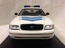 1/18 Motormax , AUTOART : Police Ford Crown Victoria. Honey Comb GRILL. NEW !
