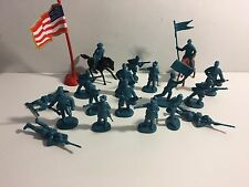 Group of assorted plastic Civil War Union soldiers.