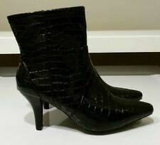 New Cato Women's Black Solid Alligator Pattern Faux Leather Ankle Boots Sz 7.5 M