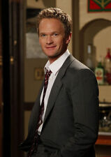 NEIL PATRICK HARRIS UNSIGNED PHOTO - 7911 - DOOGIE HOWSER, M.D. & THE MUPPETS