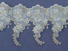 ONE METRE OF BEAUTIIFUL IVORY & GOLD LACE APPLIQUE FLOWERS