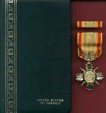 Vietnam Honor Medal 1st class in case with ribbon bar