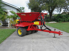 Toro - Ty Crop Pro Pass 180 Spinner Top Dresser Trailer Tow Type