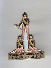 RARE PINS PIN'S .. FILLE SEXY TWIRLING MAJORETTE CHEERLEADER  ST OUEN ALLEUX ~AX