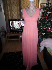 VINTAGE LADIES PEACH LONG NIGHT GOWN WITH LACE DETAIL 1970s SIZE 12 NEW