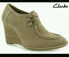 NEW CLARKS  GAYLE TRINNY WOMENS MUSHROOM NUBUCK LEATHER WEDGE SHOES 8 / 42