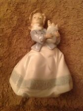 Vintage Nao by Lladro figurine Girl With Bread Daisa 1990
