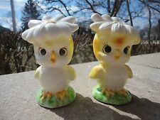 VINTAGE ANTHROPOMORPHIC LEFTON EASTER YELLOW BIRD/FLOWER HAT SALT&PEPPER SHAKERS