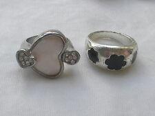 2 Color Argento Anelli Cocktail-un cuore e uno con pietre nere