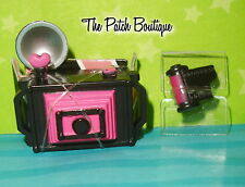 MONSTER HIGH DRACULAURA SCHOOL NEWSPAPER CLUB FASHION PACK CAMERA & FILM ONLY