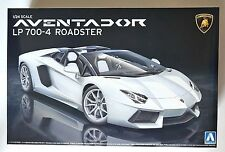 AOSHIMA 1/24 Lamborghini Aventador LP700-4 Roadster scale model kit