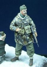 D-Day Miniature 35008 Hungarian Officer, Hungary 1945   1:35