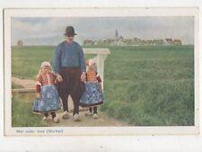 Met Vader Mee Marken Netherlands Vintage Postcard 943a